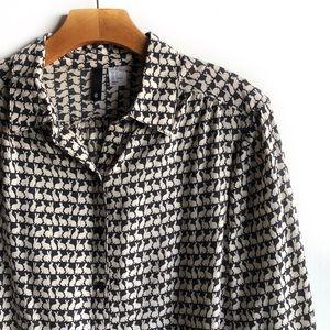 H&M Divided bunny rabbit print button down shirt